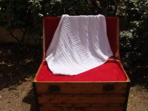 Couverture bébé 100% coton, blanc. Pièce unique fait main, travail artisanal, création originale La Malle au Coton. E3
