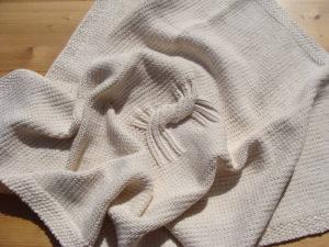 Couverture bébé, tricoté main, 100% coton bio. Pièce unique, artisanale, création et réalisation: La Malle au Coton. L2